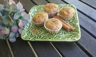 cinnamon-apple-muffins